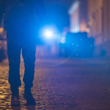 5 Reasons to Carry a Flashlight for Self-Defense